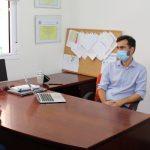 La alcaldesa de Gelves visita la sede de AFA con motivo del Día Mundial del Alzheimer